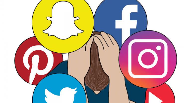 Zašto te društvene mreže tjeraju da razmišljaš o tome kako je Ariana Grande oboljela?